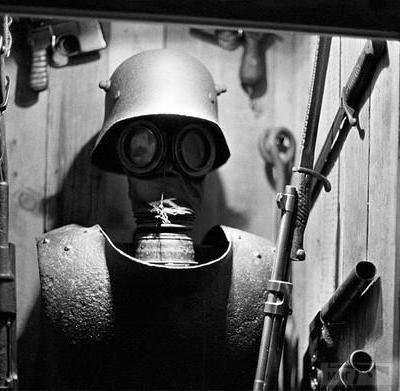 54756 - Удивительная боевая амуниция времен Первой мировой войны.