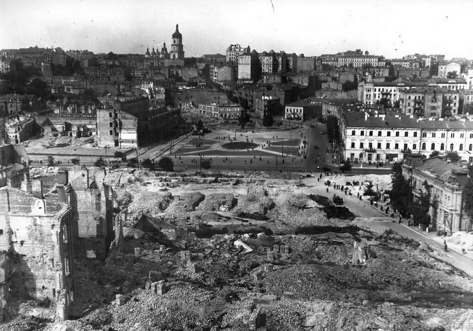 5490 - Казнь военных преступников: фашистов и их пособников 1943 — 1946 г.