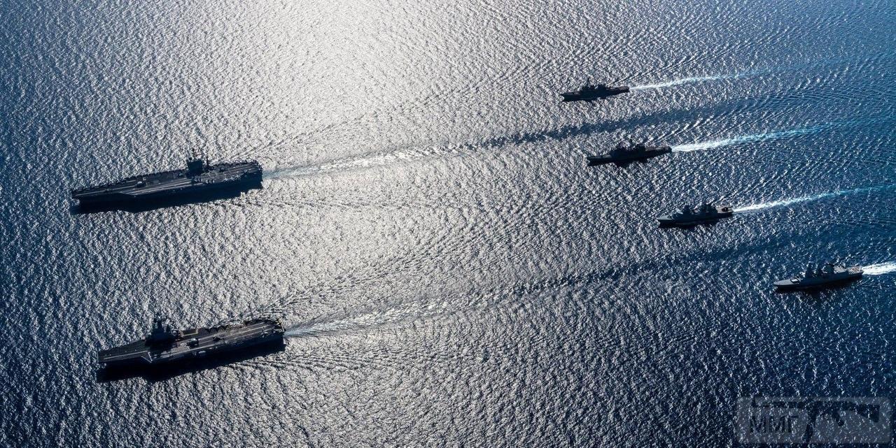 55906 - Два авианосца