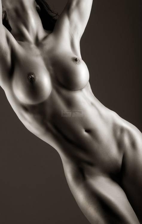 560 - Красивые женщины