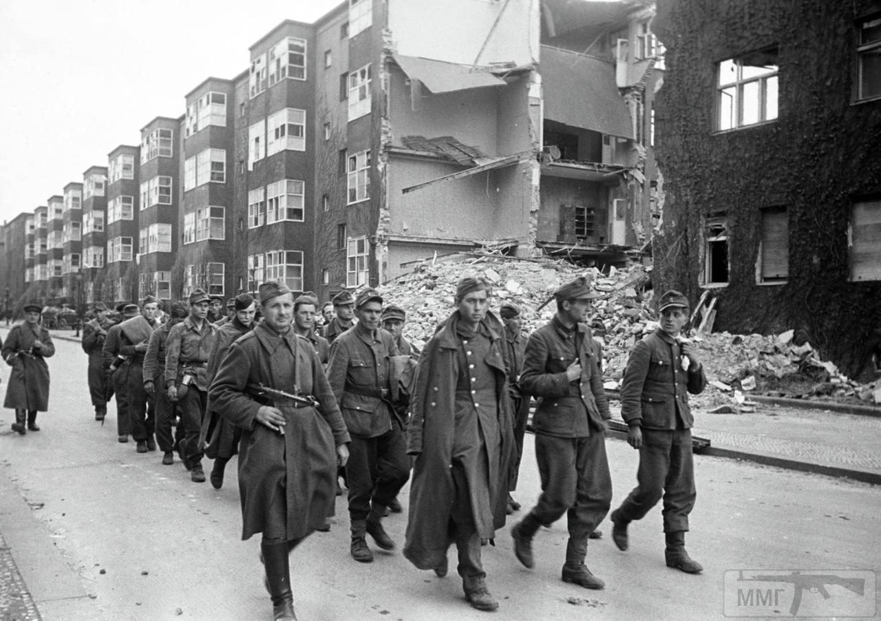 56086 - Русский герой обороны Берлина
