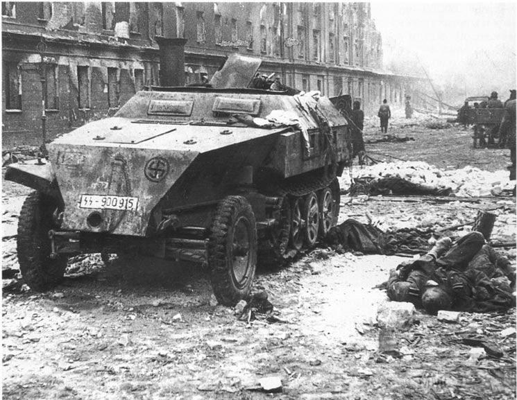 56775 - Русский герой обороны Берлина