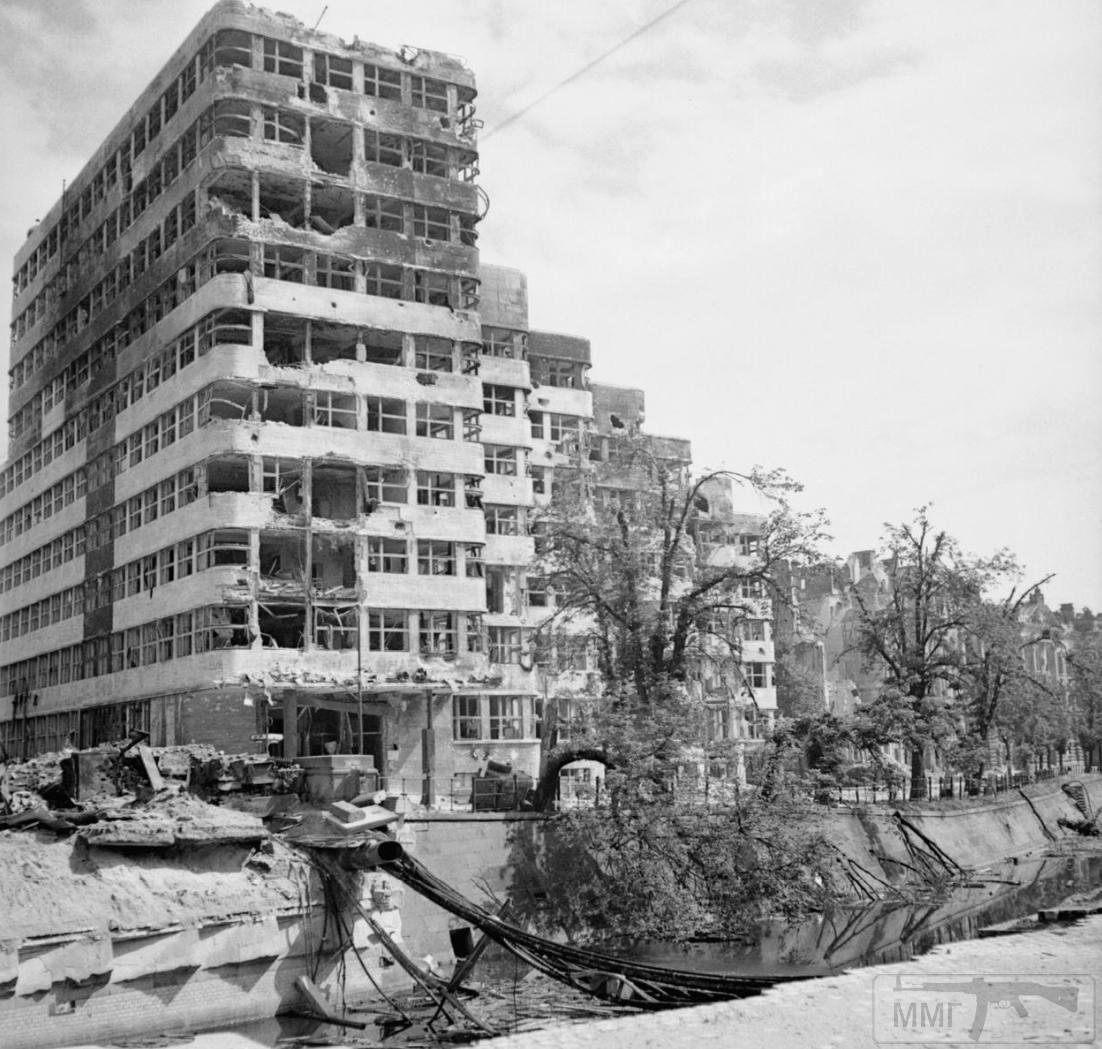 56868 - Русский герой обороны Берлина