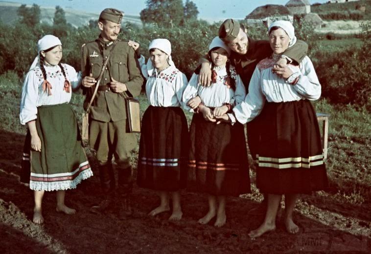 5890 - Оккупированная Украина в фотографиях