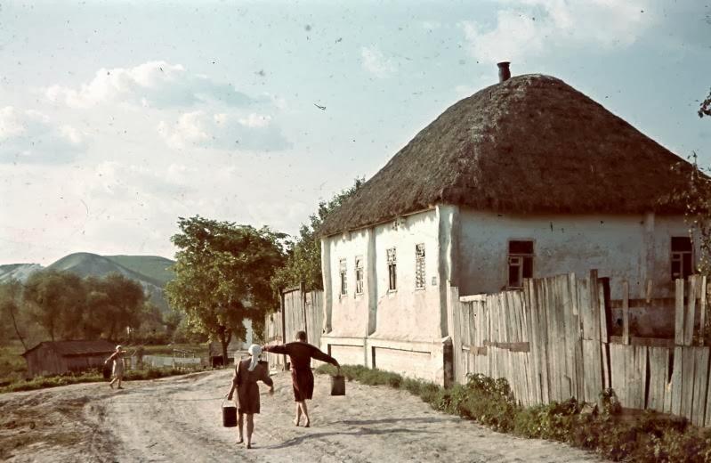 5893 - Оккупированная Украина в фотографиях