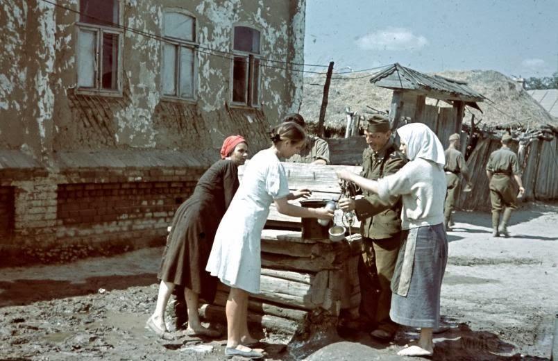 5896 - Оккупированная Украина в фотографиях
