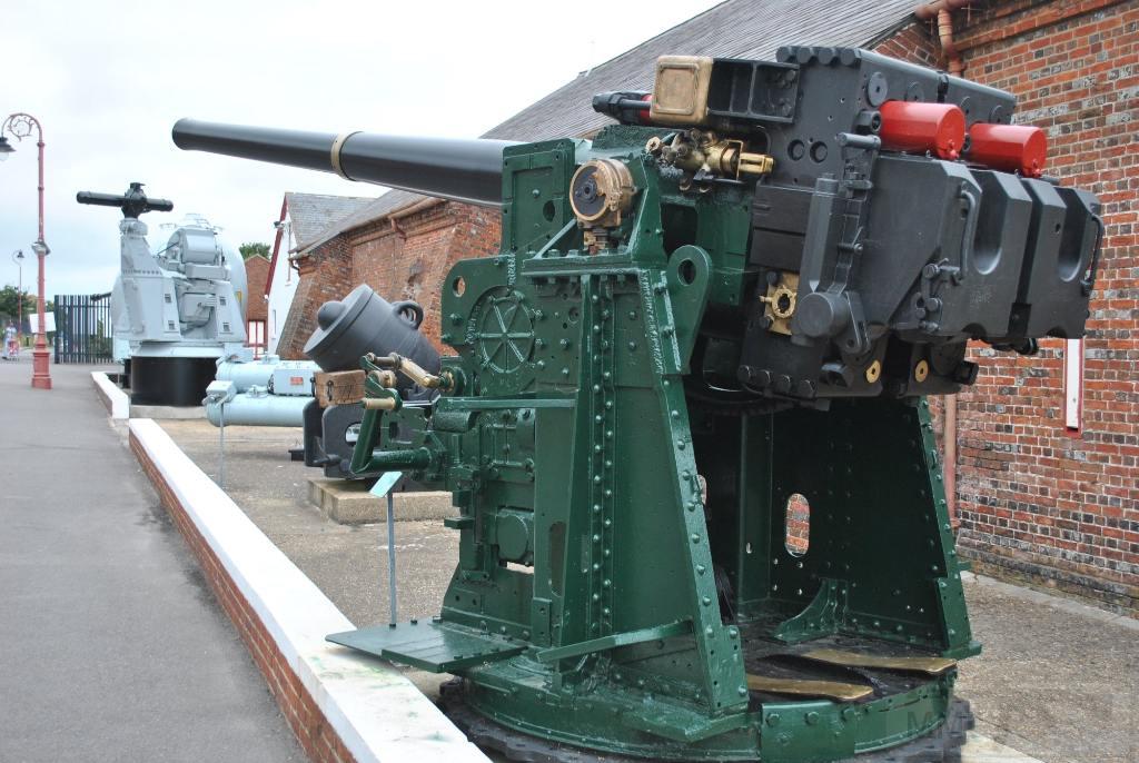 5971 - Корабельные пушки-монстры в музеях и во дворах...