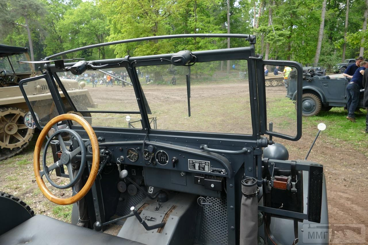 60676 - Грузовые и спец.автомобили Третьего рейха