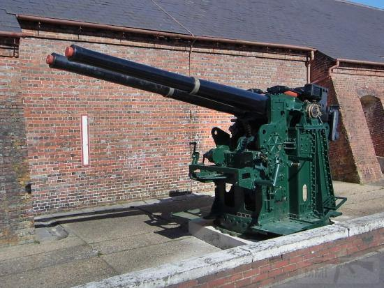 6233 - Корабельные пушки-монстры в музеях и во дворах...