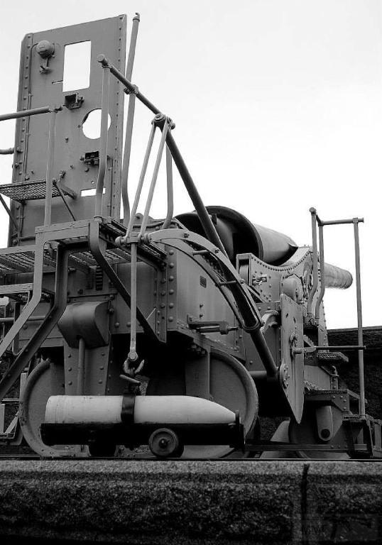 6267 - Корабельные пушки-монстры в музеях и во дворах...
