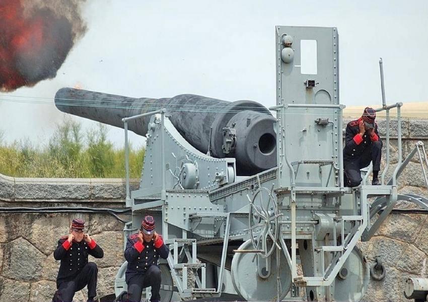 6270 - Корабельные пушки-монстры в музеях и во дворах...