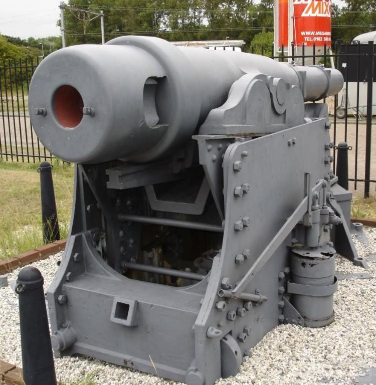 6323 - Корабельные пушки-монстры в музеях и во дворах...