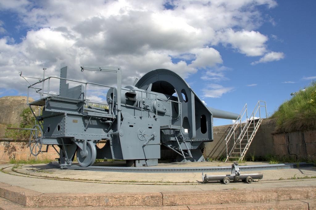 6327 - Корабельные пушки-монстры в музеях и во дворах...