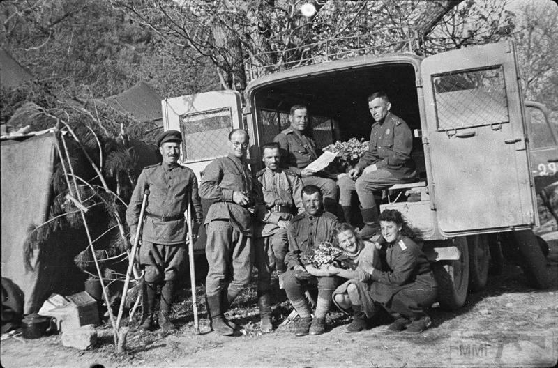 64440 - Женщины на войне.