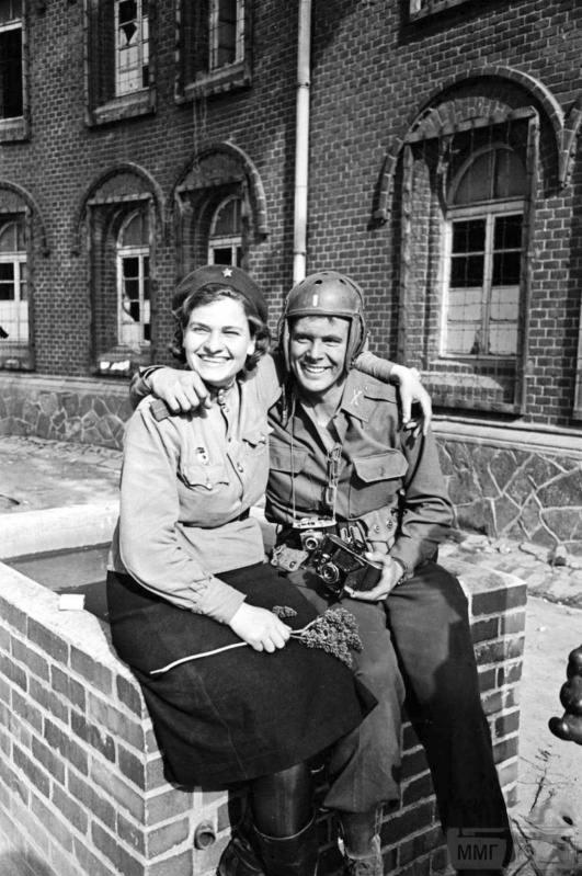 64445 - Женщины на войне.