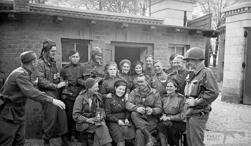 64465 - Женщины на войне.