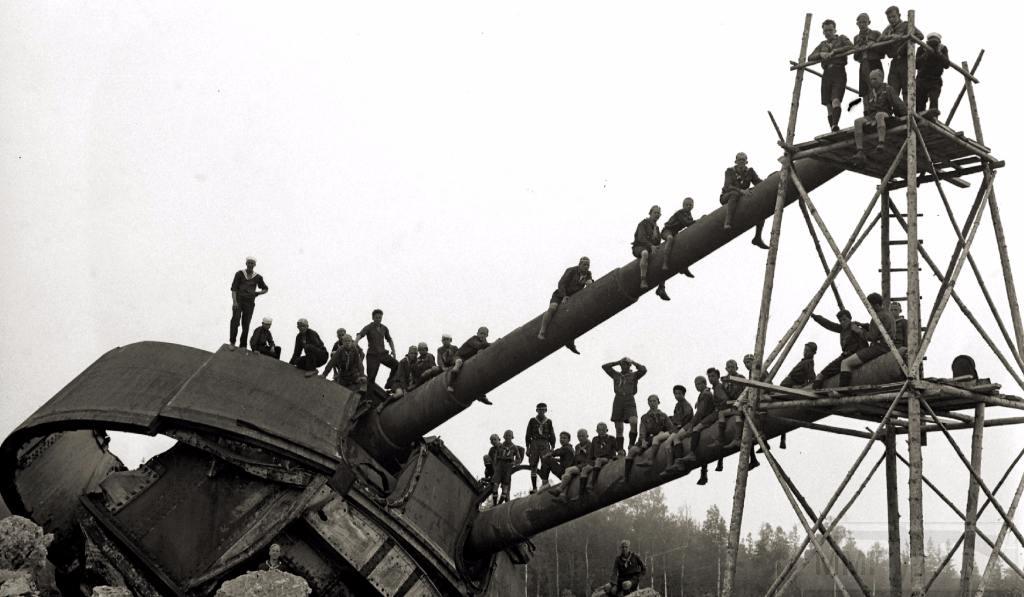 6585 - Корабельные пушки-монстры в музеях и во дворах...