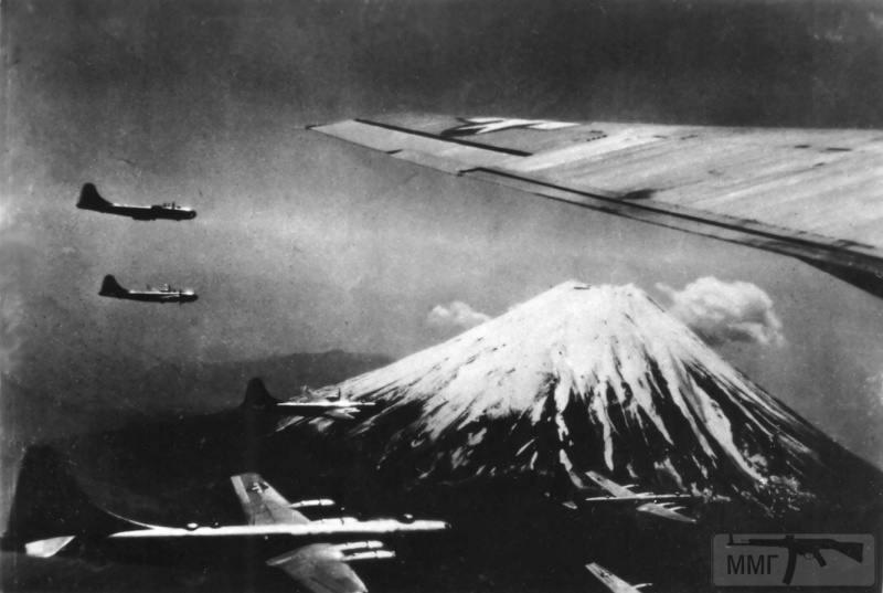 68384 - Стратегические бомбардировки Германии и Японии