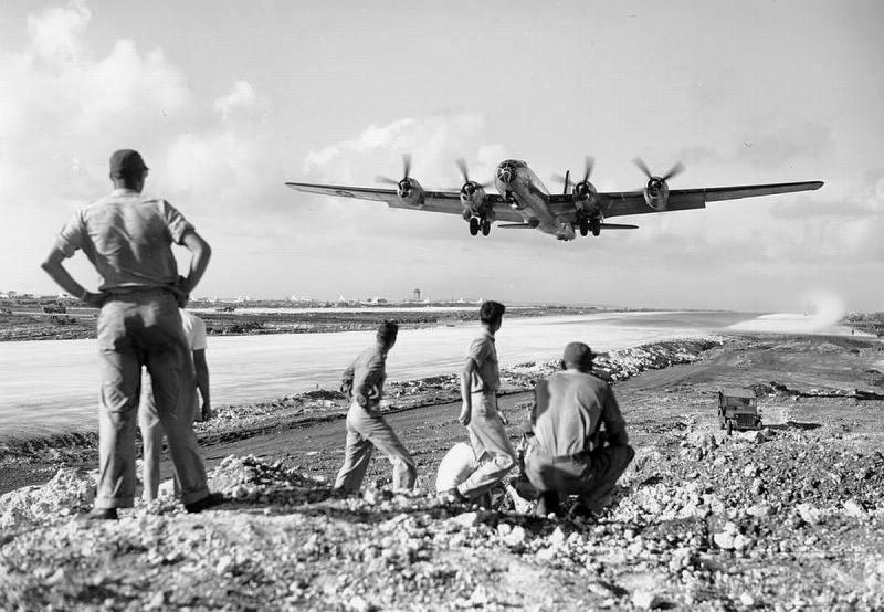68387 - Стратегические бомбардировки Германии и Японии