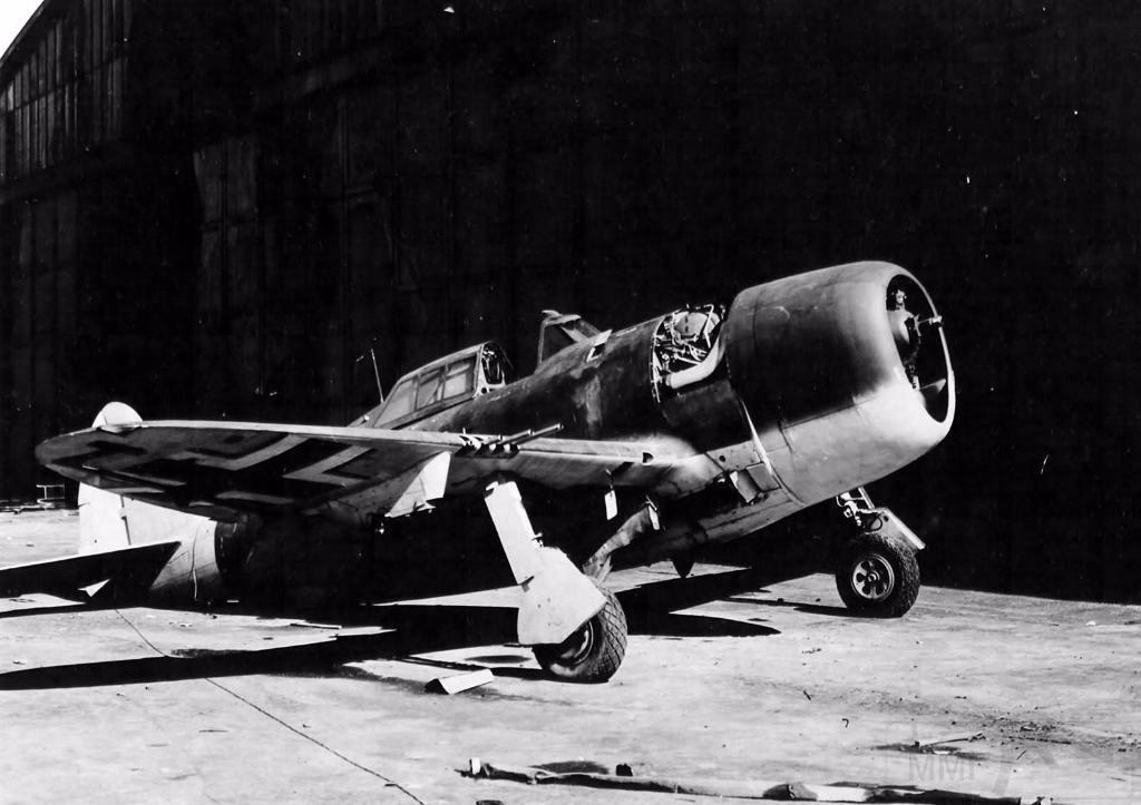 6885 - Трофейный Republic P-47 Thunderbolt