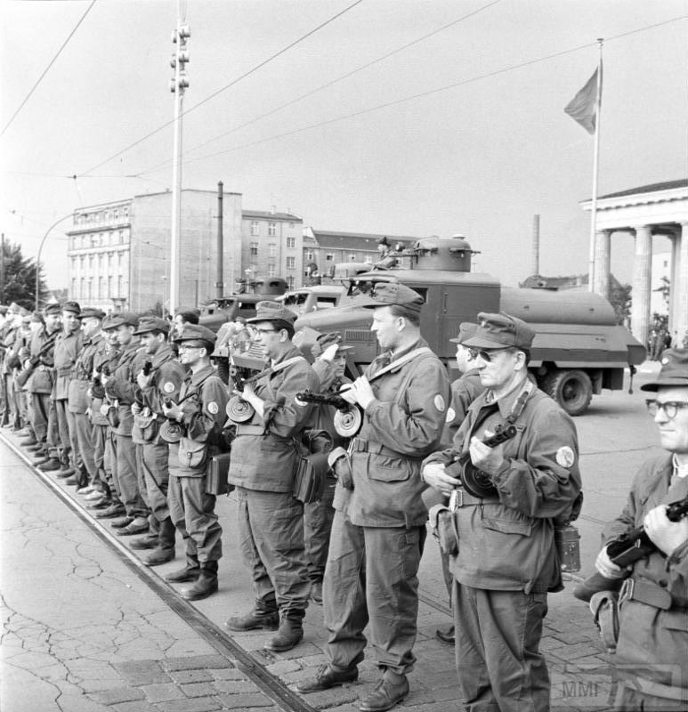 70135 - Холодная война. Фототема