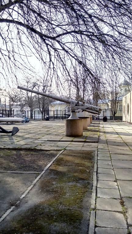 7018 - Корабельные пушки-монстры в музеях и во дворах...