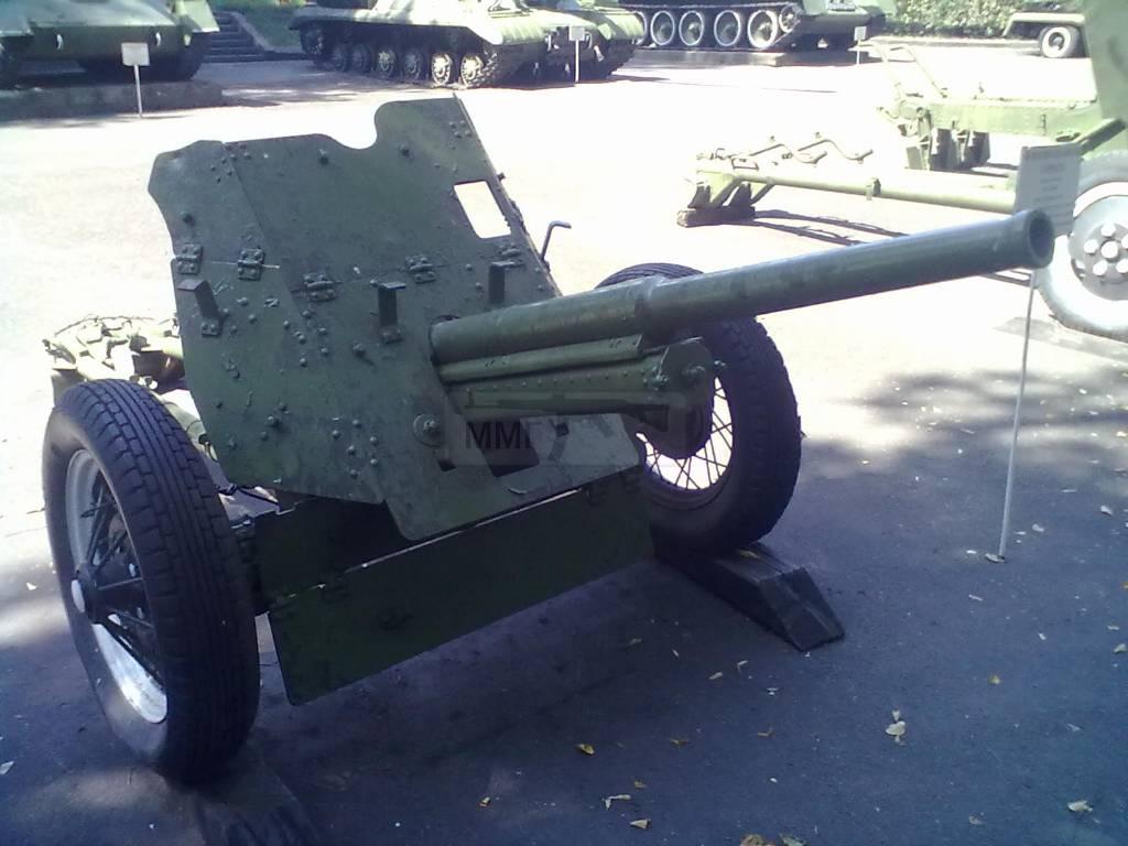 702 - музей Корсунь-Шевченківської битви.