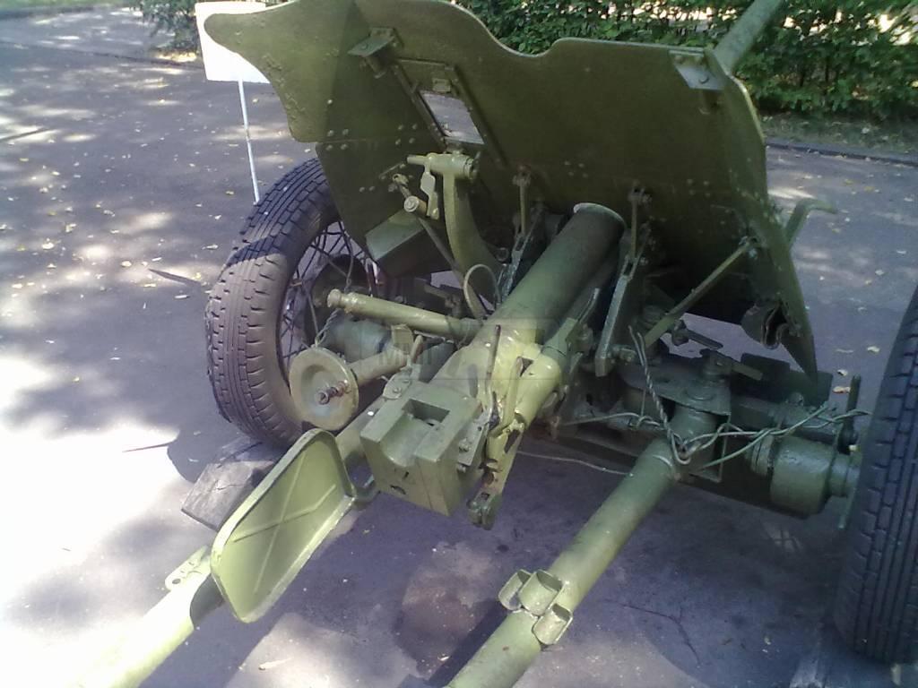 703 - музей Корсунь-Шевченківської битви.