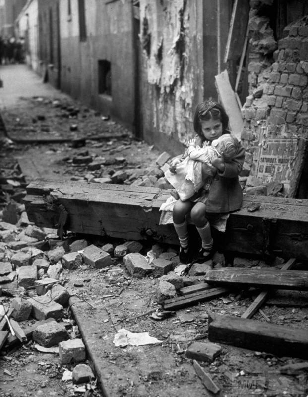 70815 - Діти на війні.