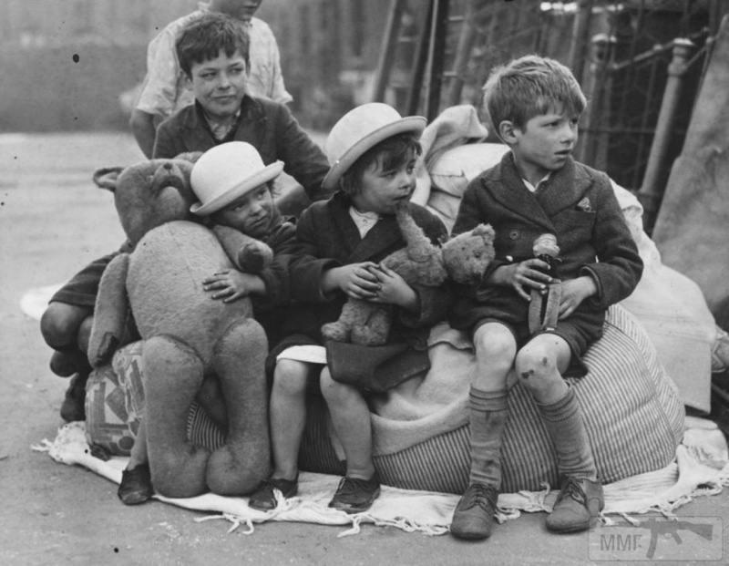 71648 - Діти на війні.