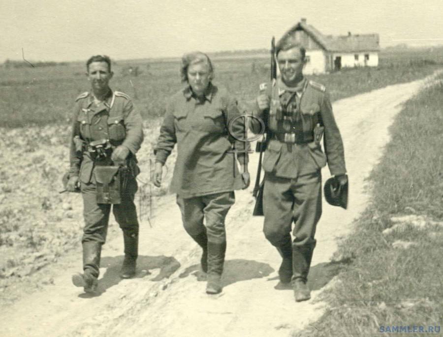7202 - Женщины в плену.