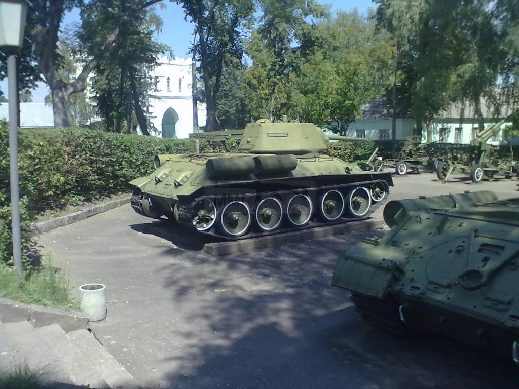733 - музей Корсунь-Шевченківської битви.