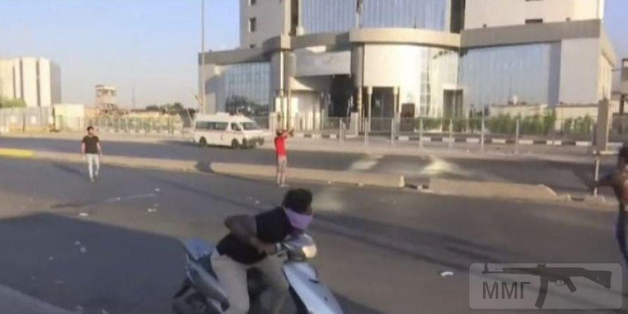76433 - Офіс телеканалу в столиці Іраку, Кадр із відео каналу Al Arabia