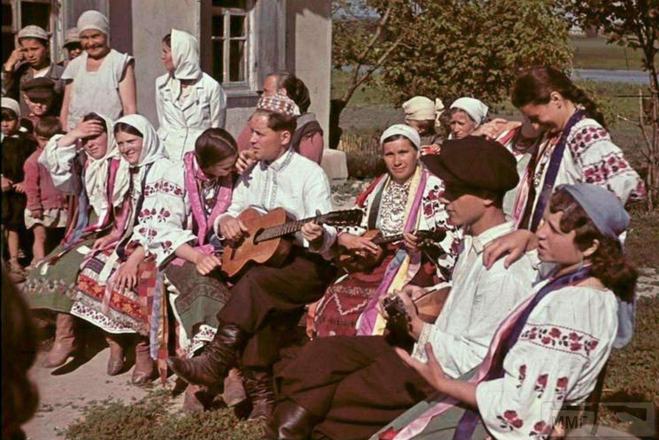77011 - Оккупированная Украина в фотографиях