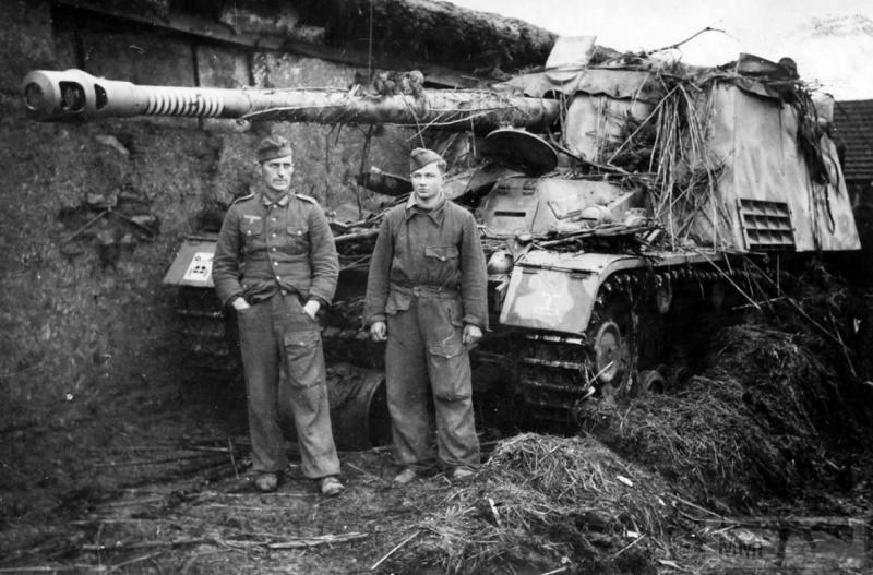 77257 - Истребители танков того времени.