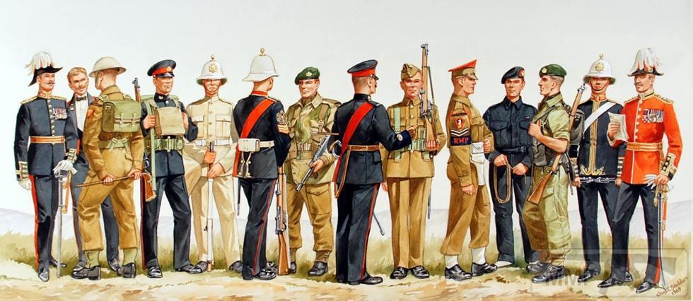 77630 - Яркая униформа старых времен... почему?