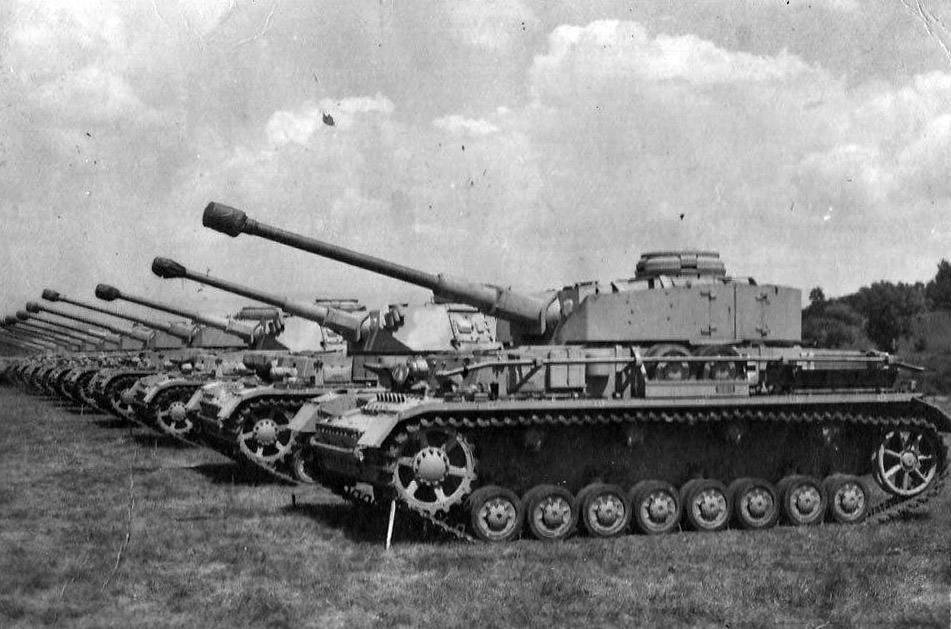"""7923 - Служба немецких """"коробочек"""" после войны..."""