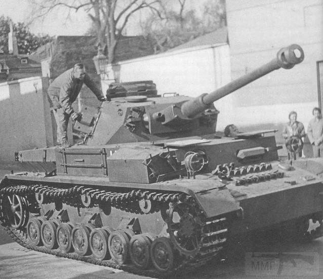 """7924 - Служба немецких """"коробочек"""" после войны..."""