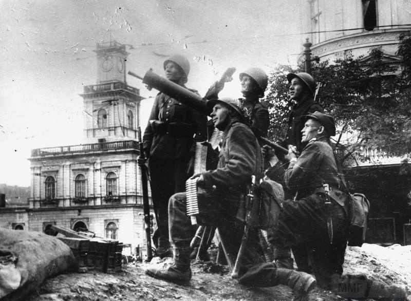 8013 - Расчет ПВО в Варшаве, сентябрь 1939
