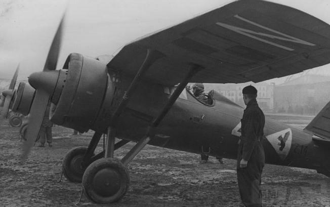 8014 - Польские истребители PZL P.11