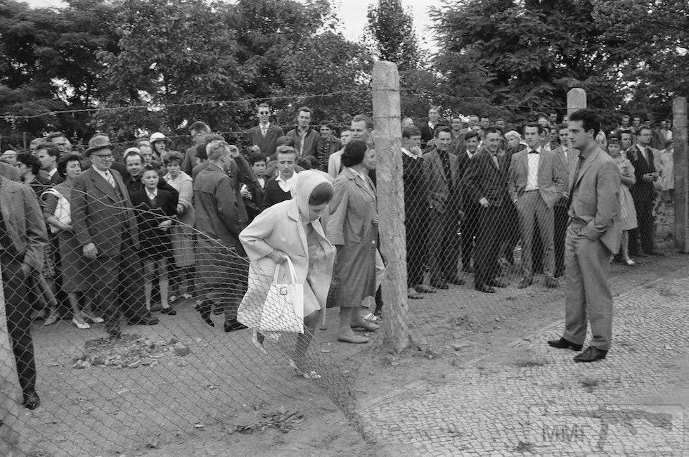 80415 - Короткий ролик - тема о ГДР