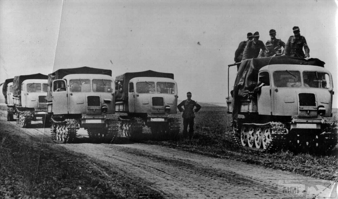 81010 - Грузовые и спец.автомобили Третьего рейха