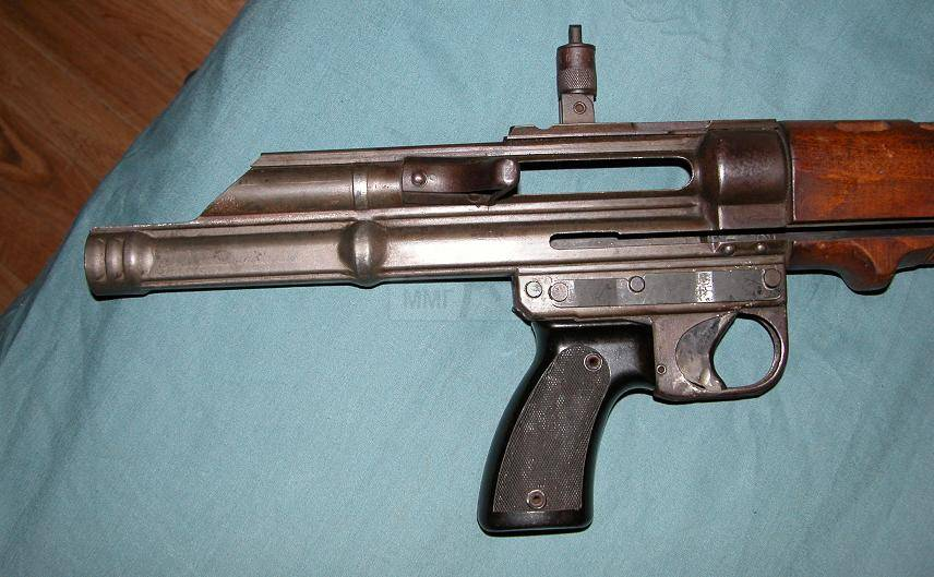 811 - Fallschirmjägergewehr 42