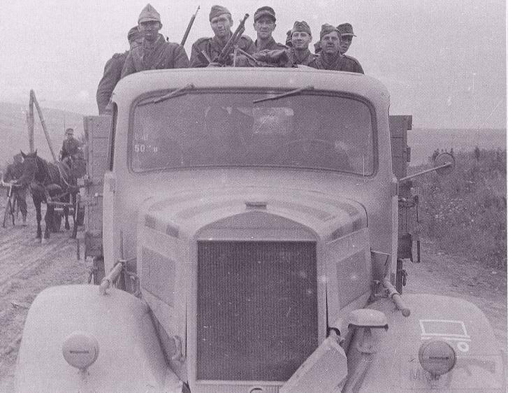8169 - Грузовые и спец.автомобили Третьего рейха