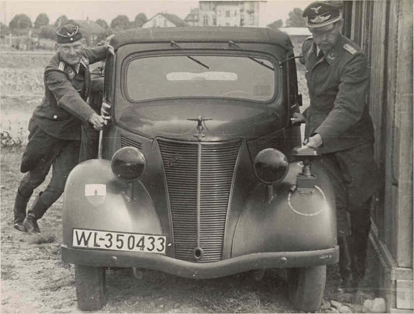 8490 - Легковые автомобили Третьего рейха