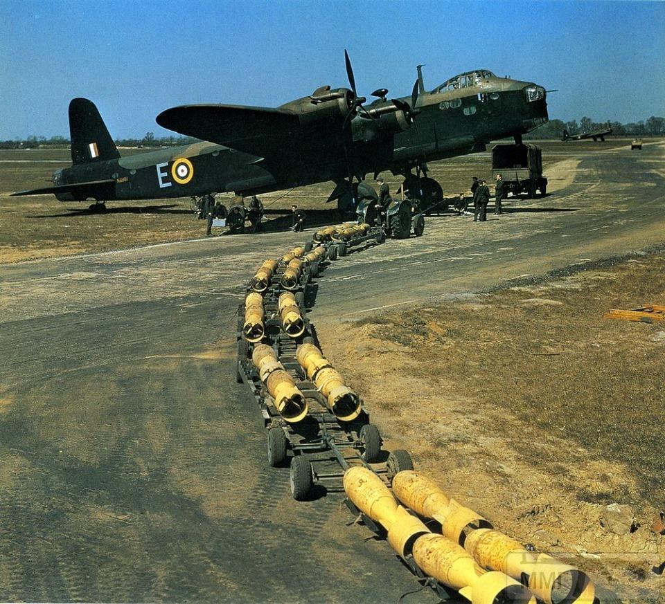 86579 - Стратегические бомбардировки Германии и Японии