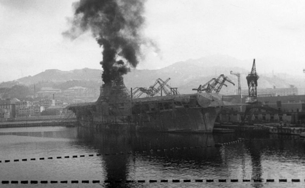 8689 - Aquila, 1943, Genova