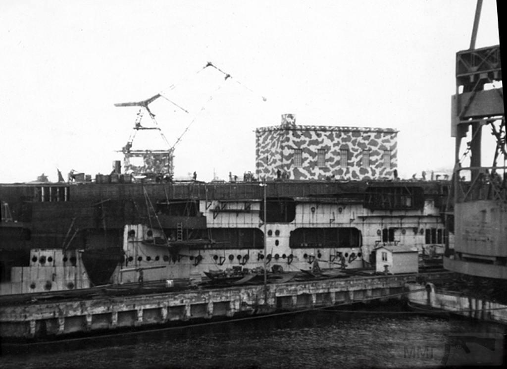 8691 - Aquila, 1943, Genova