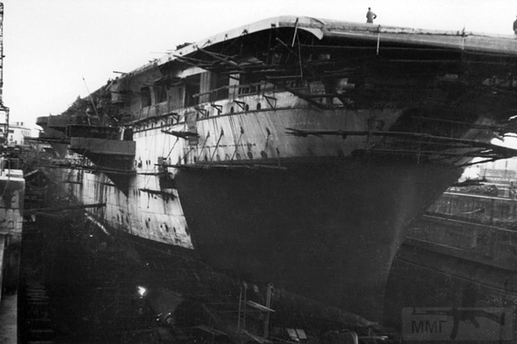 8694 - Aquila, 1943, Genova