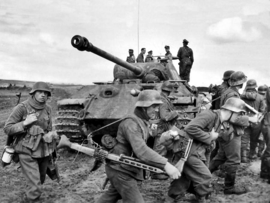 8721 - Achtung Panzer!